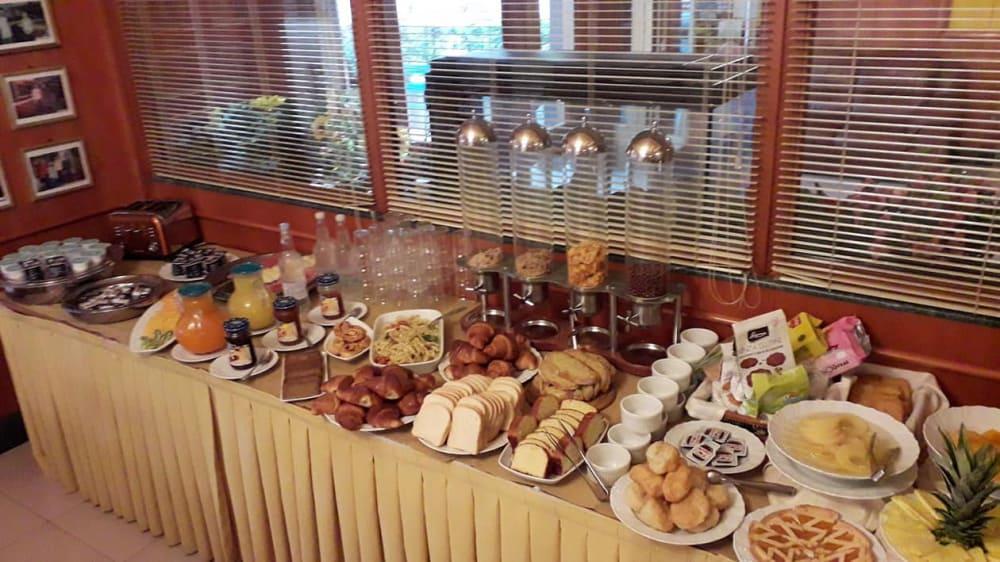 Prima colazione a buffet
